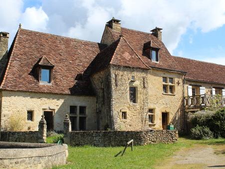 Vends chateau Saint cyprien  629 000  €