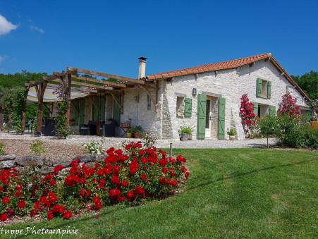 vente maison ST AUBIN DE CADELECH  595 000  € 211 m²