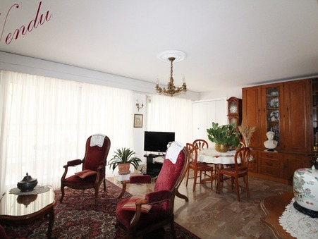 Appartement HYERES  250 000  �