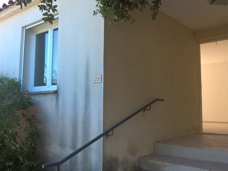 location maison LIRAC 745 €