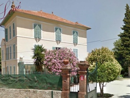 10 location appartement HYERES 820 €