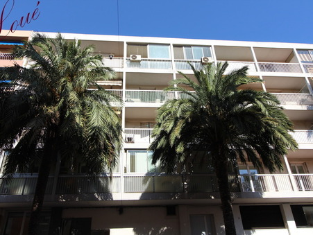 01 location appartement HYERES 734 €