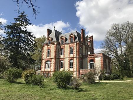 vente maison Mehun sur yevre 450m2 472500€