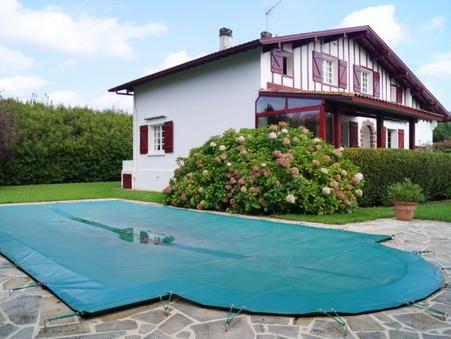 maison  585000 €