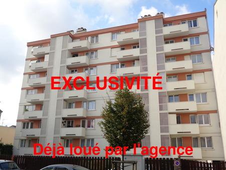appartement  890 €