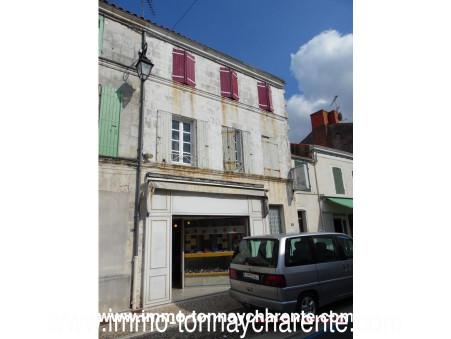 A vendre maison TONNAY CHARENTE  106 300  €