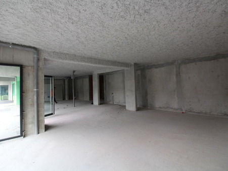 location Local commercial BEGLES 139m2 3000€