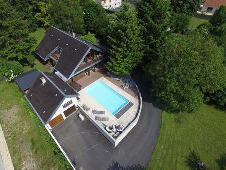 maison  317000 €