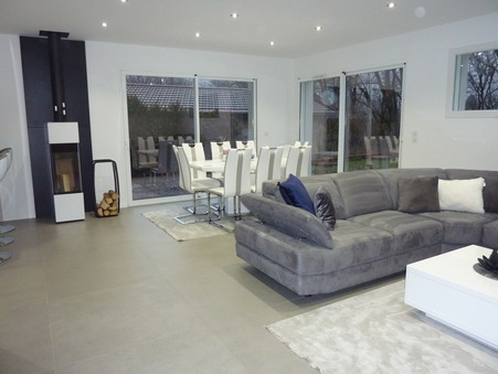 maison  380000 €