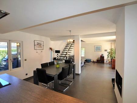 maison  490000 €