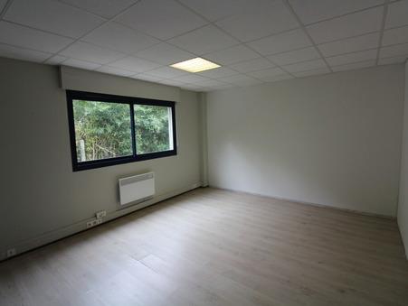 location Locaux - Bureaux TRESSES 60m2 475€