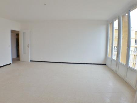 appartement  895 €