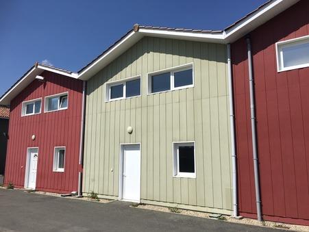 location Locaux - Bureaux LANTON 660 €