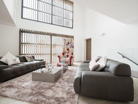 vente autre  945 000  € 180 m²