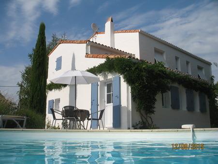 maison  572250 €