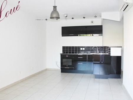 01 location appartement HYERES 700 €