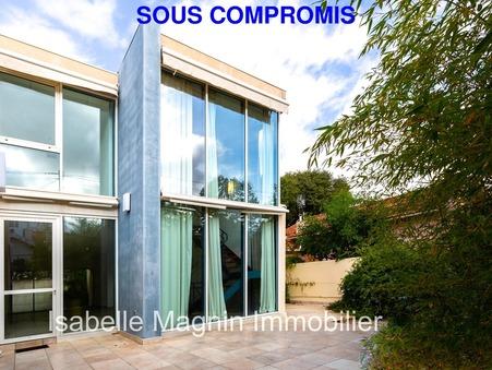 maison  800000 €
