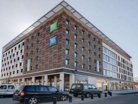 location professionnel NIMES 3 158  € 281 m²