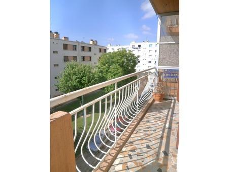 A louer appartement MARSEILLE 12EME ARRONDISSEMENT 55.67 m²  700  €