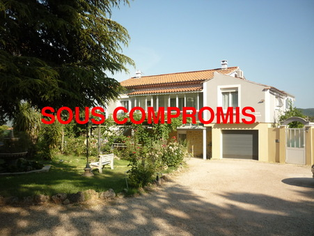 maison  352000 €