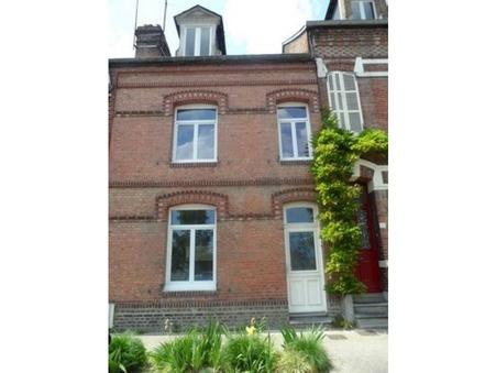 maison  700 €