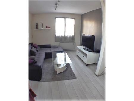 appartement  775 €