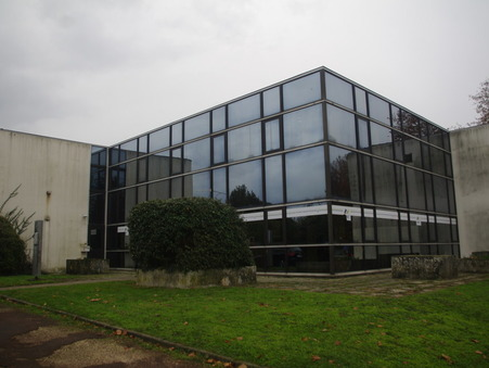 location professionnel SAINTES 8  € 1200 m²