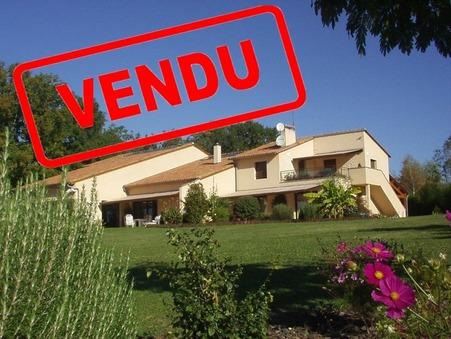 vente maison PERIGUEUX  795 000  € 390 m²