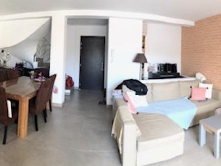appartement  990 €
