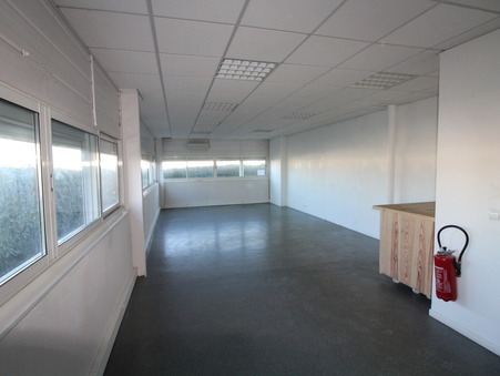 Locaux - Bureaux  1040 €
