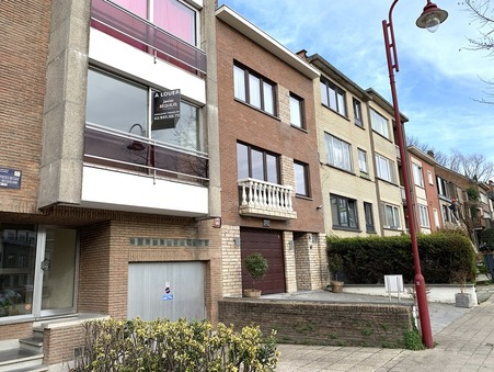 location Studio Berchem-Saint-Agathe 45m2 560€