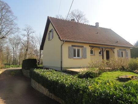 maison  749 €