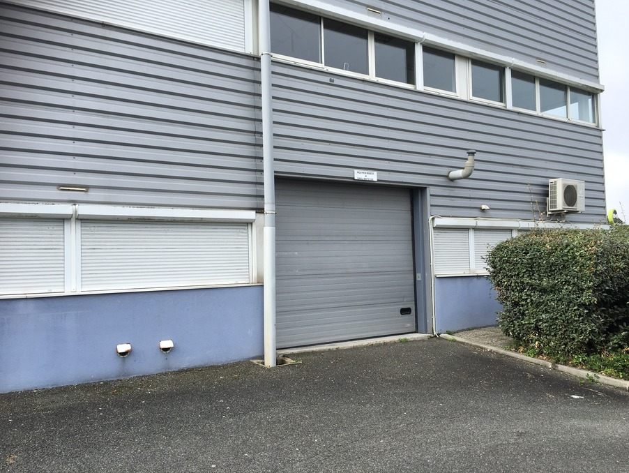 Locaux - Bureaux LORMONT  820  �