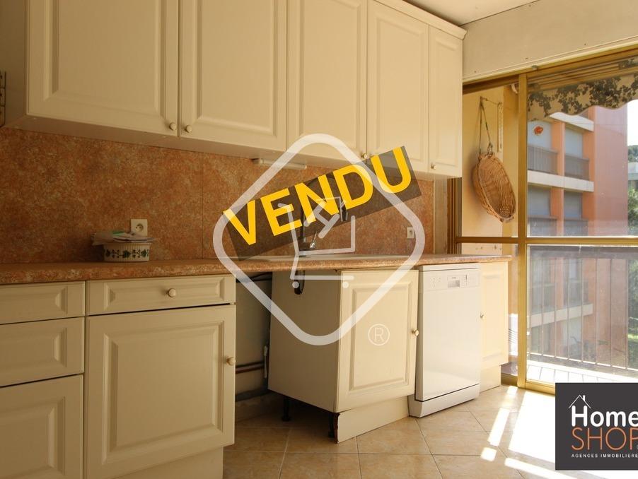 Appartement LES PENNES MIRABEAU  175 000  �