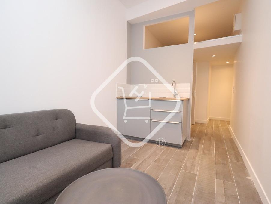 Appartement Marseille 1er arrondissement  500  �