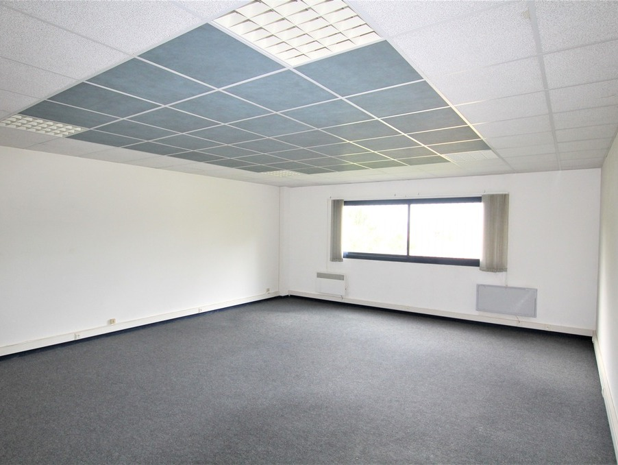 Locaux - Bureaux TRESSES  340  �