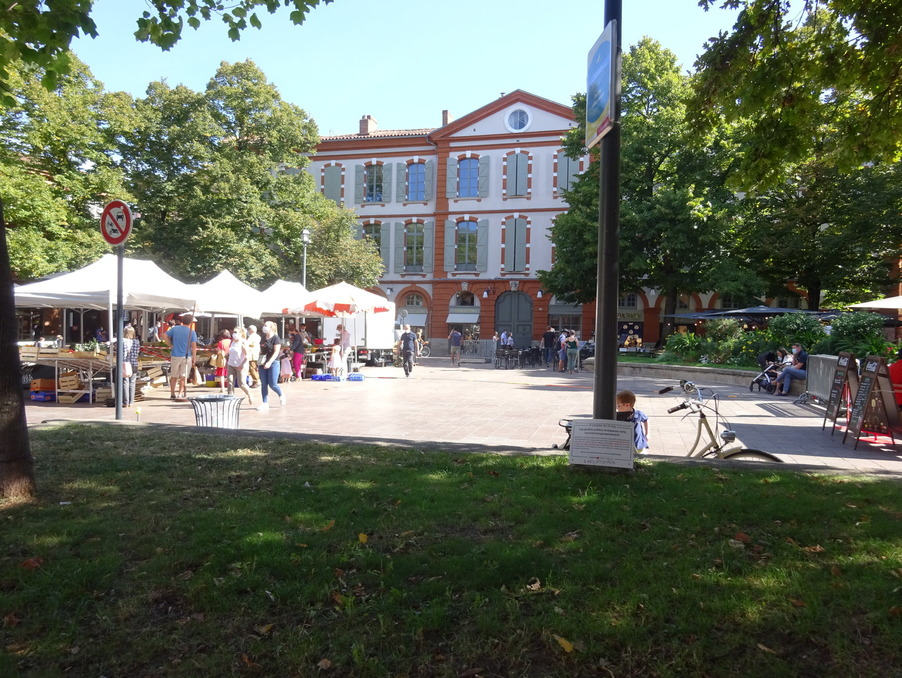 Local Toulouse  150 000  �