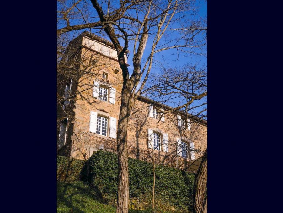 Chateau ST AFFRIQUE  395 000  �
