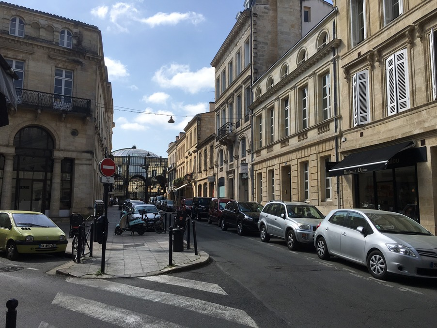 Local commercial BORDEAUX  325 500  �