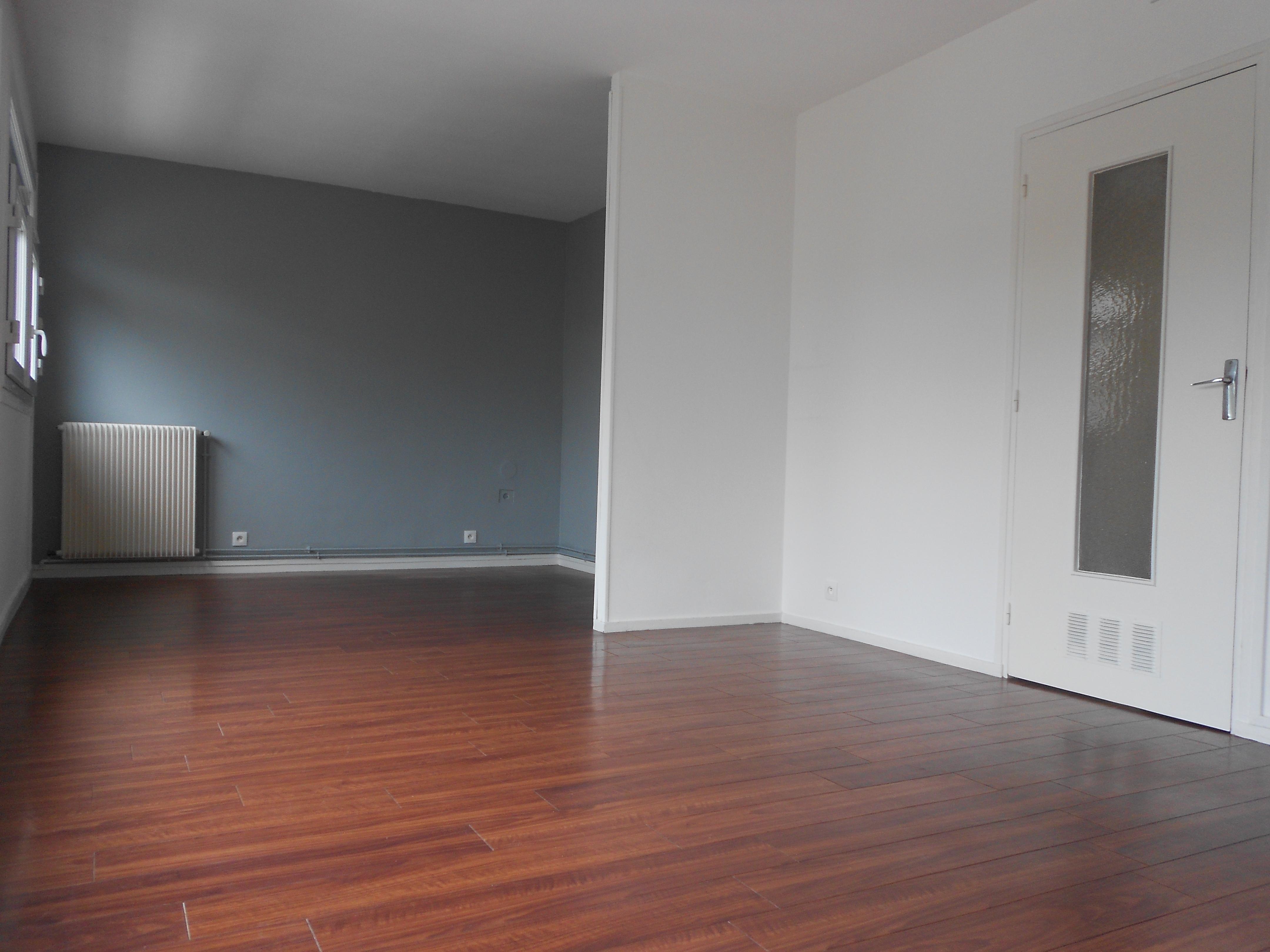 location appartement 4 pièces PETIT COURONNE 76650