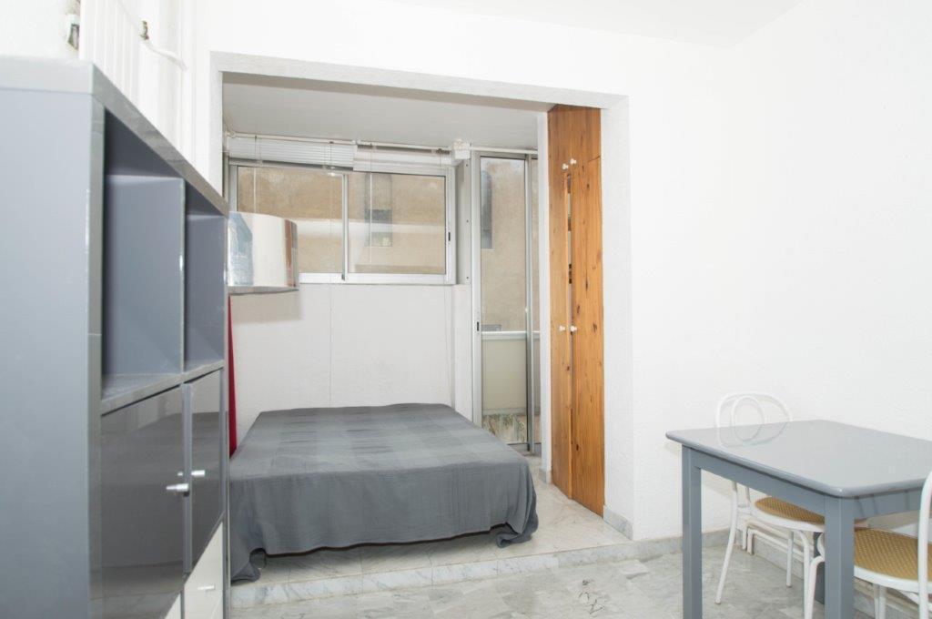 location appartement 1 pièces MARSEILLE 8EME ARRONDISSEMENT 13008