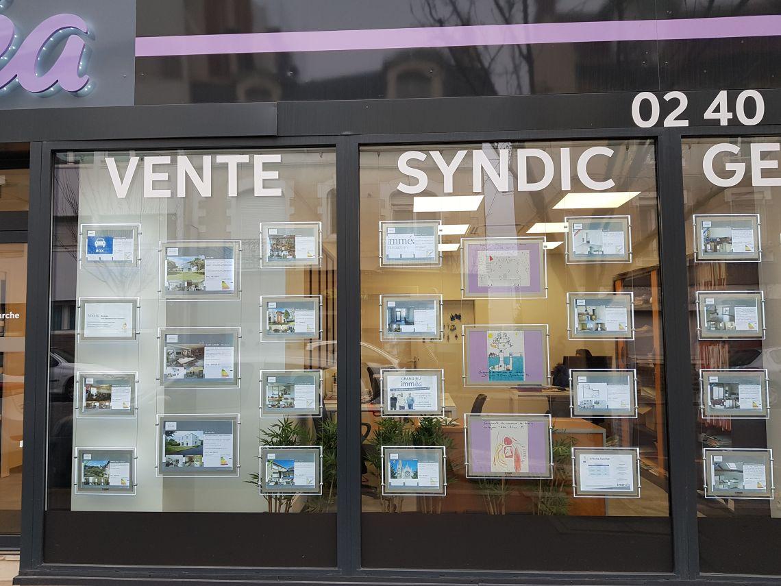 Un concours de dessin pour décorer notre vitrine !