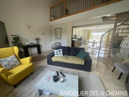 appartement  243800 €