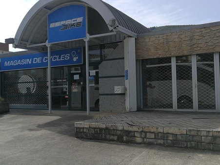 Location Local MILLAU Réf. 2410 - Slide 1