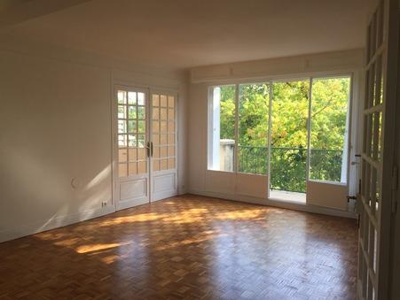 appartement  1373 €