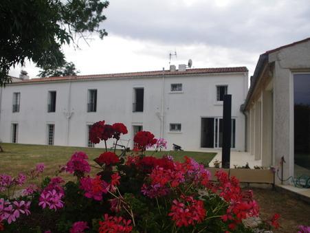 Maison 525000 € Réf. 1243 Bouhet