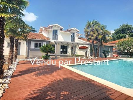 vente maison ANGLET 200m2 989999 €