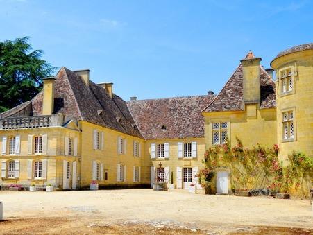 location chateau SARLAT LA CANEDA 350m2 3850 €