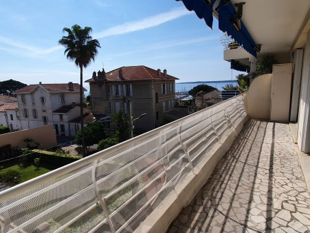 A louer appartement 900 €  Cannes