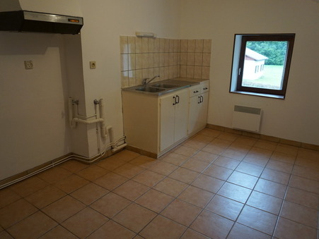 location appartement LE MENIL 53m2 300€